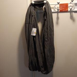 Lululemon gray infinity scarf